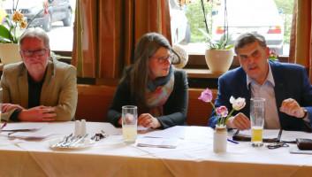 Sepp Mittermaier, Dr. Nina Scheer und Ewald Schurer auf der Diskussionsveranstaltung